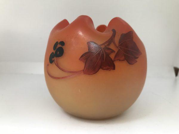 LEGRAS - Vase bourse, signé à décors de Lierre
