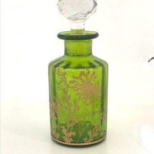 Ancien flacon de parfum en cristal