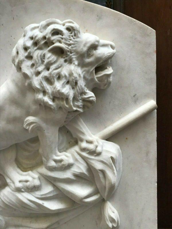 Sculpture en marbre blanc