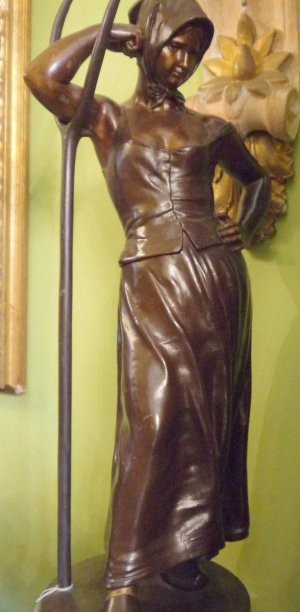 ALFRED BOUCHER Sculpture Bronze La Faneuse