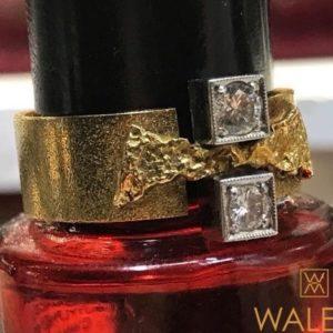 Bague Création finlandaise or jaune diamants