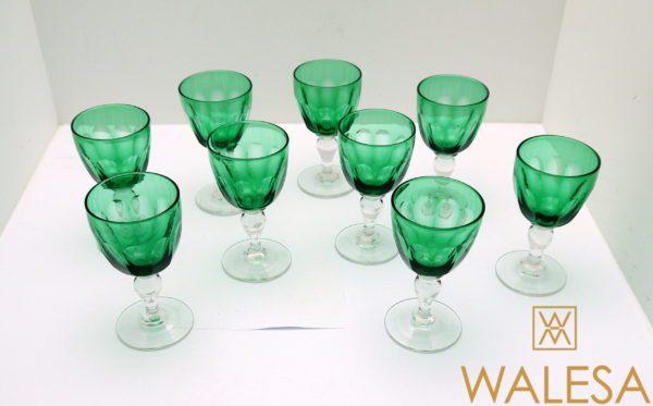 9 verres à vin blanc cristal vert taillé à facettes