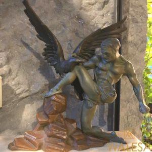 sculpture Art Deco « homme et aigle »