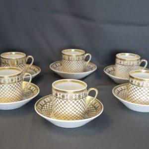 6 tasses et soucoupes Porcelaine de Paris Epoque Empire