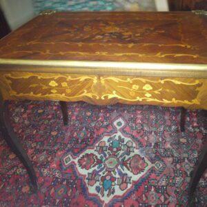 Table à jeux de style Louis XV